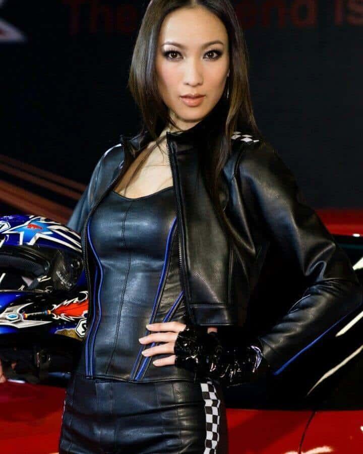 jaket kulit wanita motor yang modis dan keren