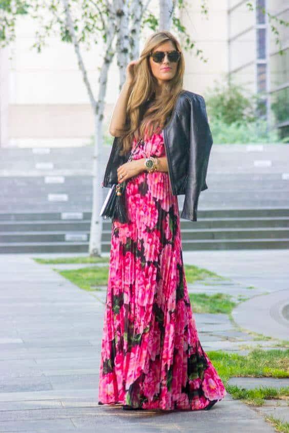 ootd jaket kulit wanita dengan floral print