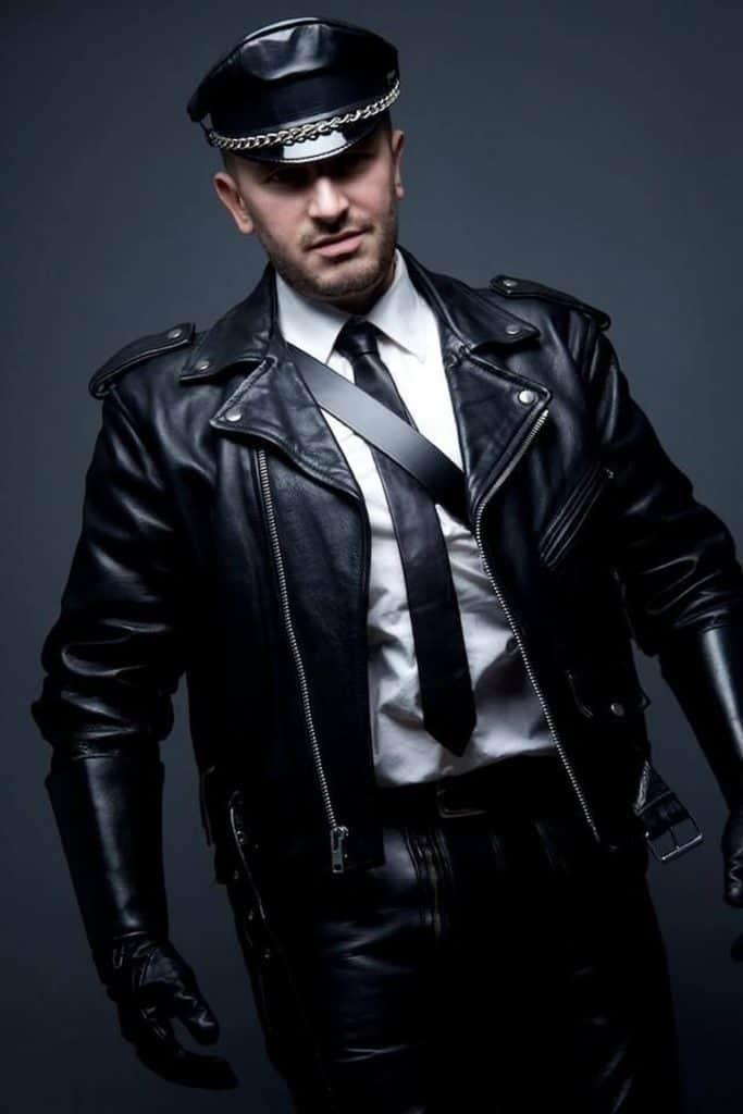 Jaket kulit polisi hitam polos
